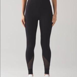 NWOT Lululemon High Rise Size 2
